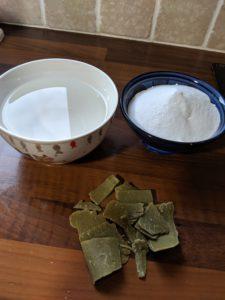 ingredients pour faire sa lessive maison DIY savon de marseille bicarbonate vinaigre